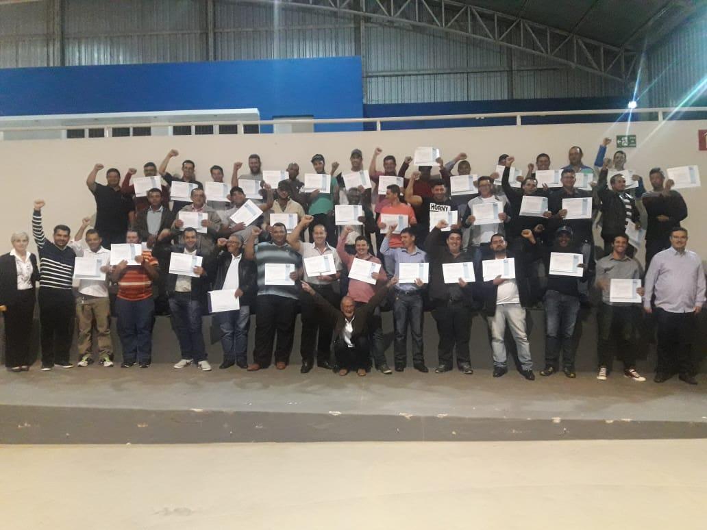 Inédito no Brasil: Curso especializado para autônomos e motoristas que realizam o transporte de leite cru refrigerado no Centro – Oeste de Minas Gerais.